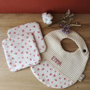 box repas bavoir personnalisable prénom bébé et deux débarbouillettes en coton bio imprimé petit radis