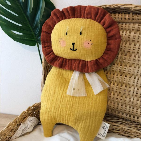 doudou matière lange en gaze de coton forme lion
